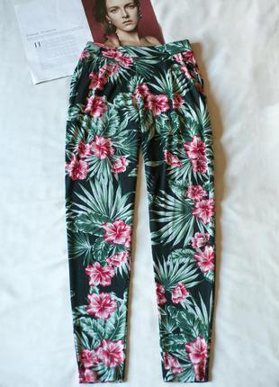 Красивые летние черные штаны брюки с цветочным принтом f&f, ра...