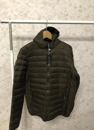 Куртка холлофайбер с капюшоном, новая!