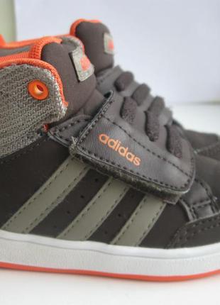 Кроссовки adidas  р.22 оригинал.