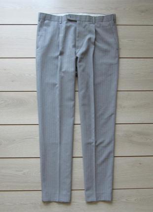 Классические брюки в полоску со стрелками