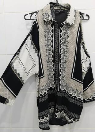 Стильная шифоновая блуза с открытыми плечиками