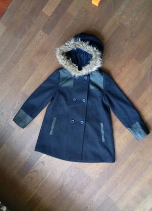 Пальто на дівчинку 146см