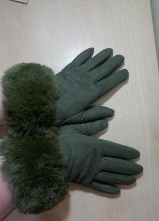 Перчатки женские с мехом.