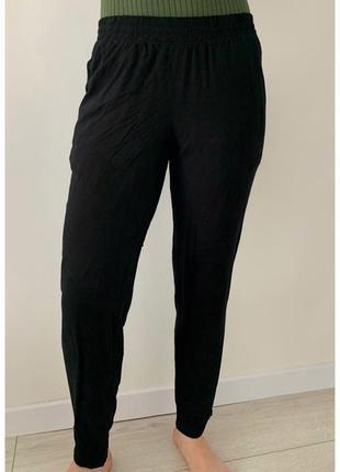 Штани чорні, легкі штани, брюки, легкие черные брюки.