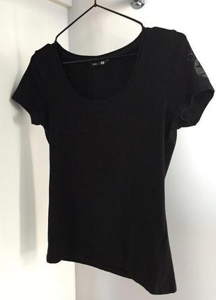 Футболка, базова футболка, чорна футболка.