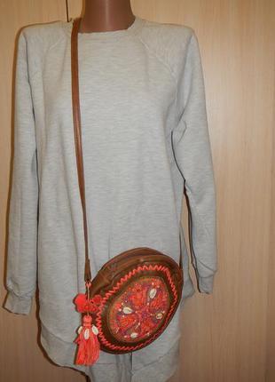 Круглая сумка accessorieze кроссбоди в этностиле