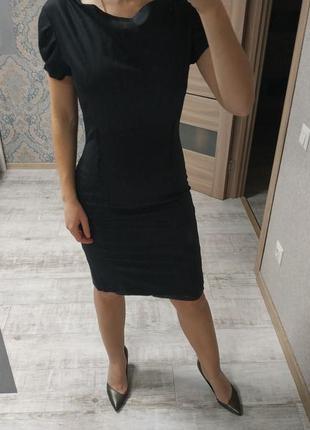 Стильное платье миди в офис или на мероприятие