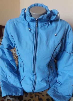 Курточка весенняя голубого цвета 36р