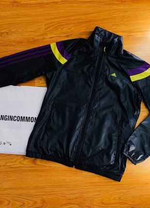 Женская спортивная куртка ветровка кофта