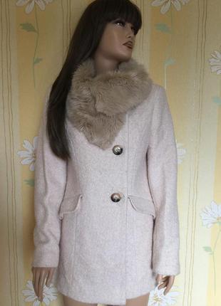 Пальто деми букле пудрового цвета с меховым воротником f&f 12 ...