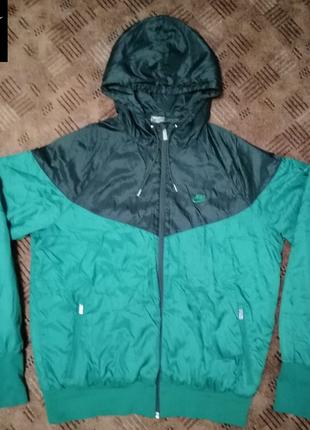 Чоловіча куртка-вітровка nike. оригінал.!!!