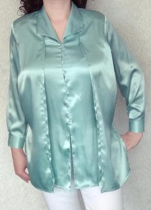 Атласная блуза цвета мяты.