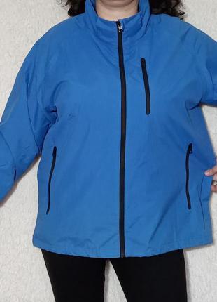 Куртка ветровка небесно голубого цвета