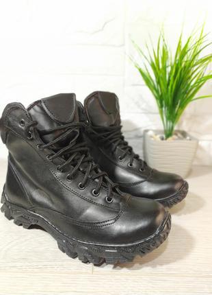Мужские зимние ботинки на меху черные