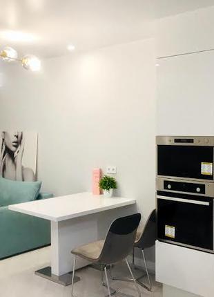 1-но комнатная квартира в новом дома с дизайнерским ремонтом
