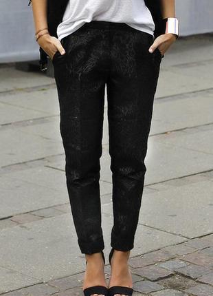 Зауженные укороченные брюки на резинке с орнаментом летние zar...