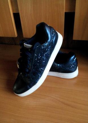 Модные  кеды кроссовки туфли на девочку геокс