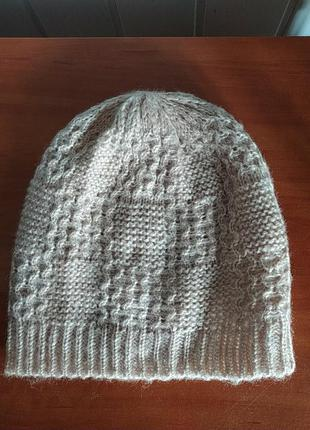 Женская вязанная шапка h&m