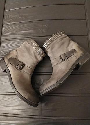 Все идеально !!! без нюансов !!!шикарные кожаные ботинки  боти...