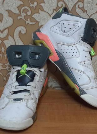 Суперские кроссовки. jordan. размер 37.5.
