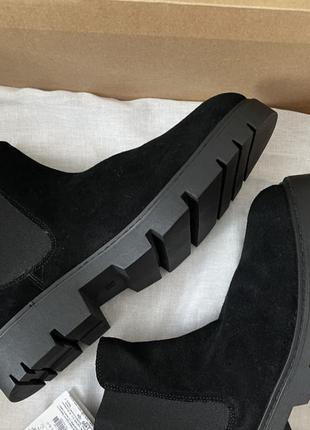 Ботинки кожаные мужские замшевые черного цвета челси