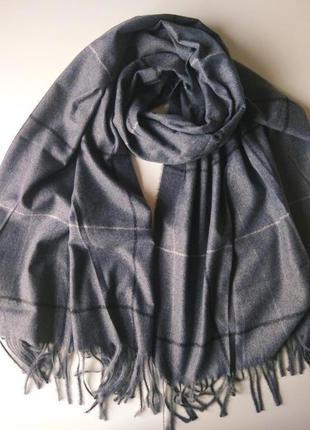 Кашемировый шарф серого цвета, палантин в тонкую клетку