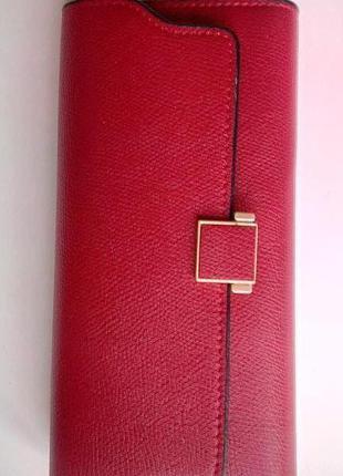 Красный женский кошелек с пряжкой