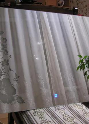 Зеркало настенное с сенсорным включением