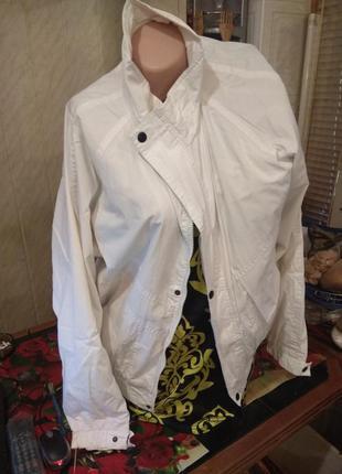 Куртка ветровка белоснежная