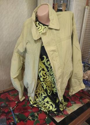 Куртка ветровка  светло-салатовая