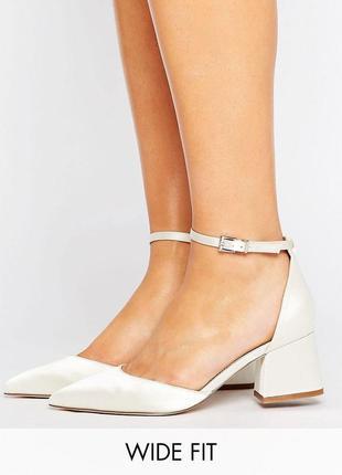 Сатиновые туфли на блочном каблуке с острым носом asos асос