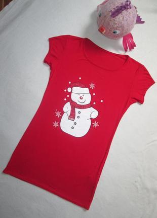Класная новогодняя футболка со  снеговиком и блестками вискоза...