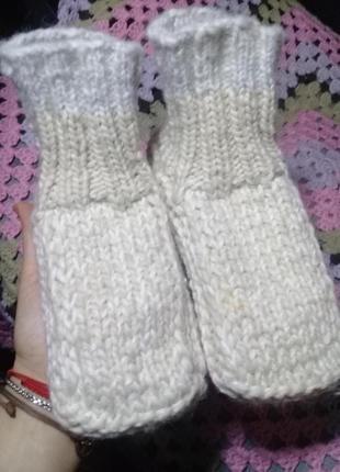 Вязанные носки, носки-тапочки.