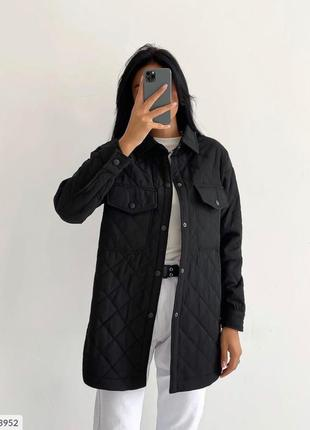 Стеганое черное пальто на синтепоне