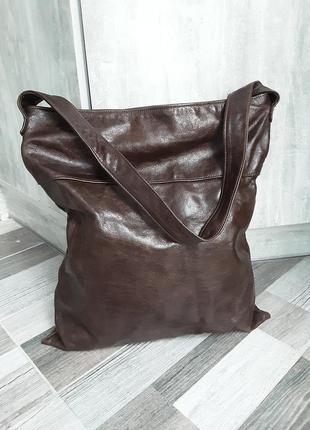 Вместительная кожаная сумка -торба