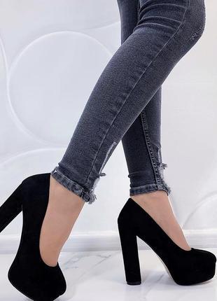 Новые шикарные женские черные туфли на каблуке