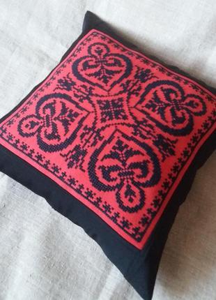 Декоративная наволочка,подушка. ручная вышивка болгарским крестом