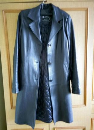Кожаное длинное пальто