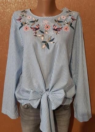 Блузка  с вышивкой,завязками бантом размер 14 m&s