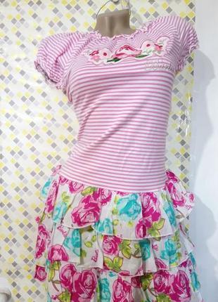 Замечательное подростковое яркое платье с вышивками.barbie