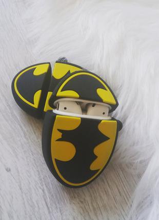 Чехол футляр для наушников Apple AirPods Бетмен