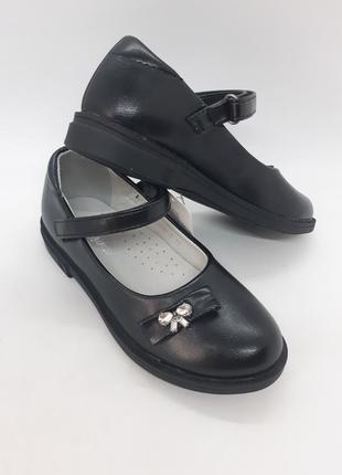 Классические туфли на девочку 27,28р jong golf