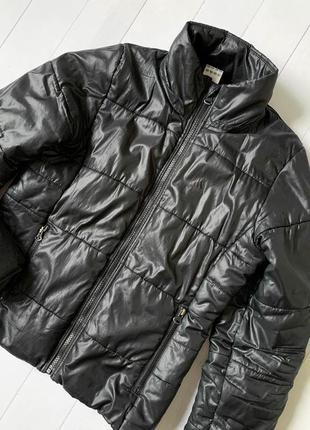 Женская черная куртка на осень микропуховик adidas (адидас). s-m
