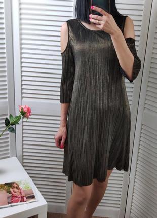 Нарядное платье с открытыми плечами parapharse, р-р s
