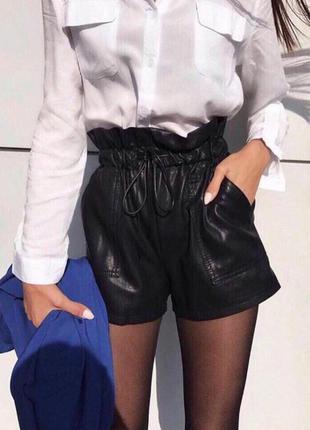 Модные шорты с карманами, эко кожа