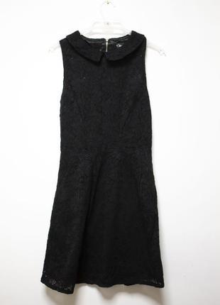 Чорне кружевне плаття