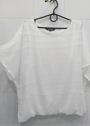 Милая фактурная блуза футболка снизу на резинке