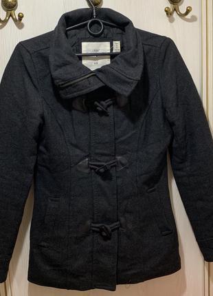 Шерстяное серое тёплое короткое пальто, короткая теплая тканев...