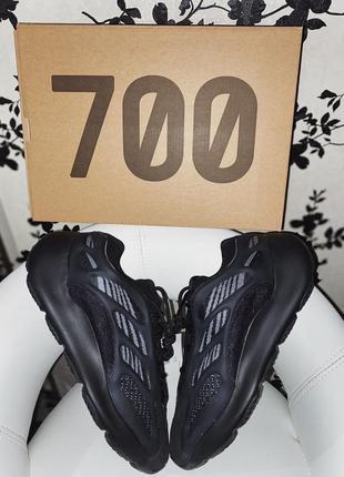 Yeezy 700 v3 adidas кроссовки