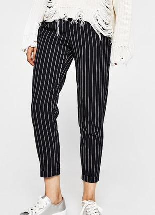 Модные стильные летние укороченные брюки в полоску с подкотами...